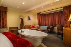 Bridal Suite at The White Hart Hotel, Eatery and Coffee House, Boston